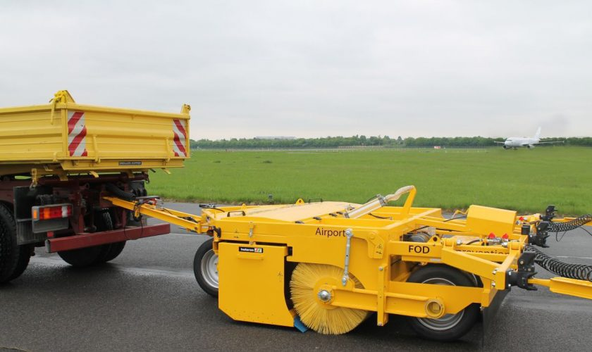 Airport-Sweeper-4-1